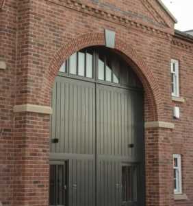 red house brick arch keystone lintels