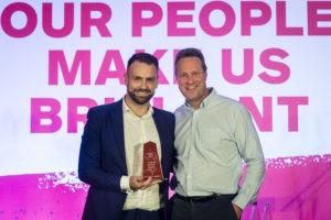 buildbase awards david grace collects award for keystone lintels